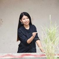 Jingyi Ye